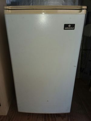 Refrigerator small apartment size for Sale in Osteen, FL