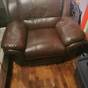 Electric Leather Recliner for Sale in Seattle, WA