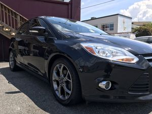 2013 Ford Focus SE Fully Loaded. Low Miles** for Sale in Arlington, VA