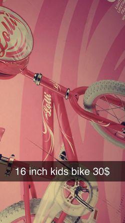 Girls Size 16 Inch Bike for Sale in Lyman,  SC