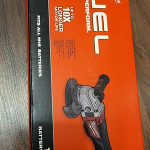 Milwaukee M18 FUEL 18-Volt Lithium-Ion Brushless Cordless 4-1/2 in. / 5 in. Grinder with Paddle Switch (Tool-Only)..NOO OFERTAS for Sale in Anaheim, CA