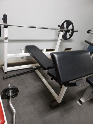 Parabody Bench and weights!!!!!!! for Sale in Palmdale, CA