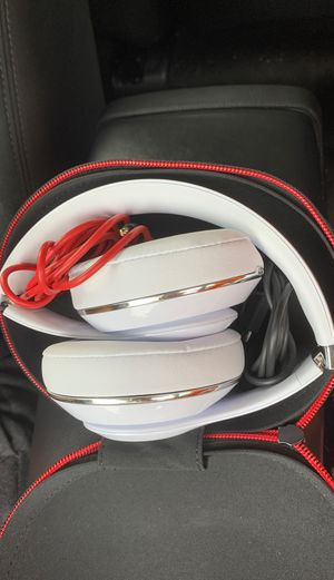 Beats Studio 3 Wireless Bluetooth Headphones for Sale in Orlando, FL