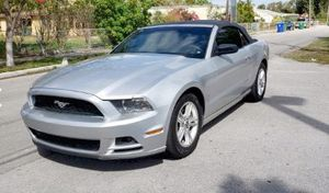 2013 FORD MUSTANG for Sale in Hialeah, FL