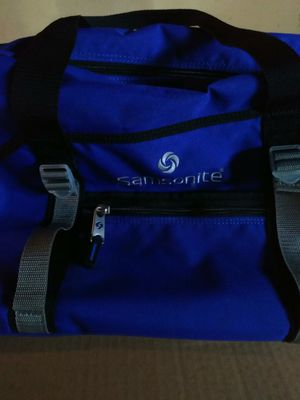 Samsonite duffle bag for Sale in Charter Township of Clinton, MI