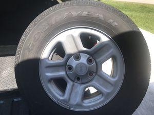 Tires Goodyear Wrangler P225-75R16 for Sale in Lehigh Acres, FL