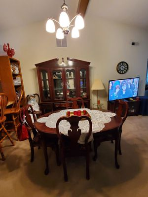 Queen ann dinning table and chairs and China cabinet for Sale in Fort Wayne, IN