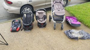 Britax B-Agile stroller and 2 B-Safe B35 infant car seats w/bases for Sale in Wesley Chapel, FL