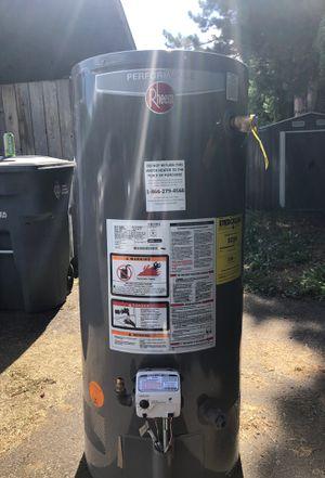 Rheem Gas water heater for Sale in Graham, WA