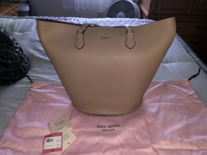 NWT Kate spade bucket bag for Sale in Washington Township, NJ