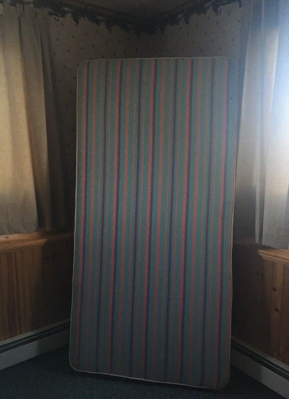 Box Spring Only for a Twin Bed/Mattress- FREE!