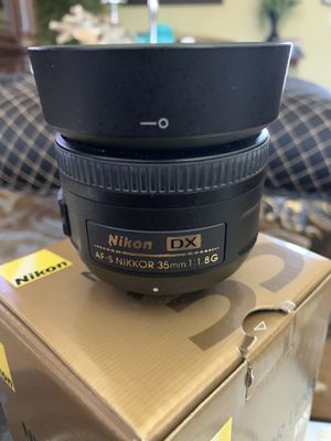 Nikon lenses, 35mm and 55-200mm selling as a pair for Sale in Fort Lauderdale, FL
