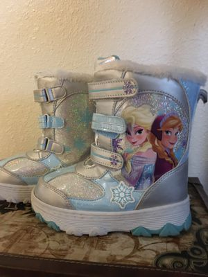 Size 12 Anna and Elsa Frozen Snow Boots for Sale in VLG LOCH LOYD, MO