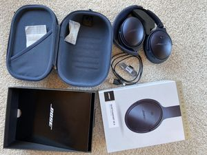 Nose QuietComfort 35 II Noise Cancelling Triple Midnight Blue for Sale in San Diego, CA