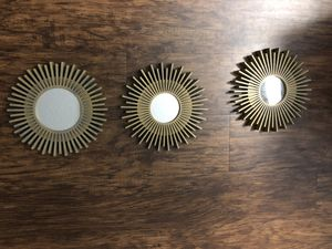 Wall mirror decorations for Sale in Orlando, FL