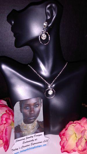 The Diamonds in Circles Jewelry Set! for Sale in Baton Rouge, LA