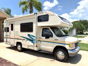23ft Fleetwood jamboree class C motorhome for Sale in Clermont, FL