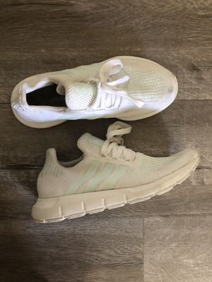ADIDAS Women's Sneakers for Sale in San Mateo, CA