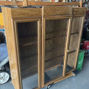 China cabinet for Sale in Hudson, FL