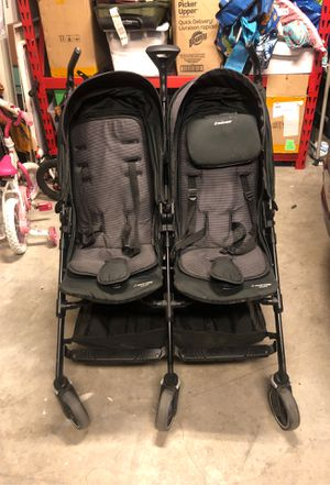 Maxi Cozy Double Stroller - Dana For2 (used) for Sale in Monrovia, CA