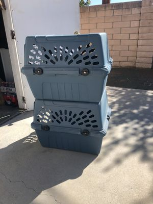 Pet kennels $25 for one $40 for both for Sale in Hemet, CA