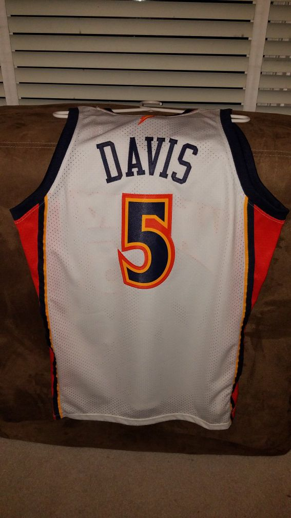 8303fc8816e Adidas warriors baron davis jersey size Large with tags for Sale in ...