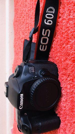 Canon EOS 60D 18 MP CMOS Digital SLR Camera Body Only for Sale in Garden Grove, CA