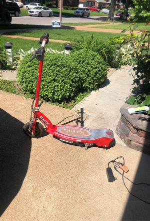 Razor electric scooter for Sale in St. Louis, MO