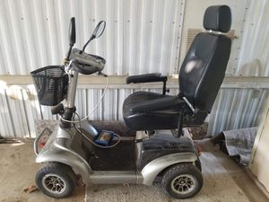 Mobility Scooter (Activecare Osprey 4410) for Sale in Fresno, CA