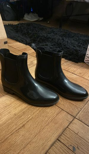 Short Chelsea Rain Boot (size 6-6 1/2) for Sale in San Francisco, CA