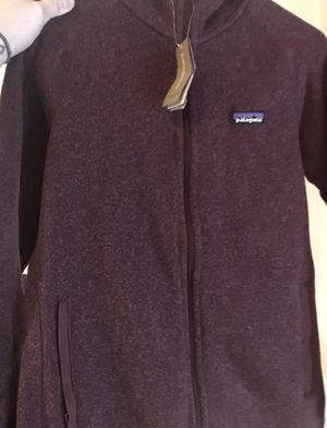 PATAGONIA WOMENS HOODED FLEECE JACKET for Sale in San Francisco, CA