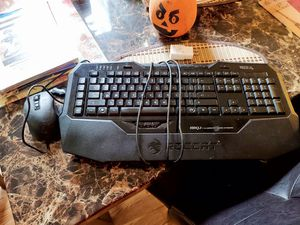 Roccat gaming keyboard and mouse for Sale in Puyallup, WA