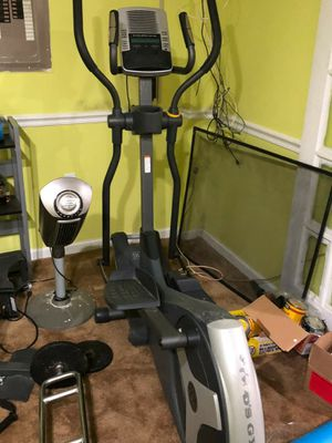 Golds Gym Weight Set for Sale in Fort Washington, MD