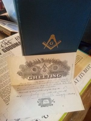 Holy Bible malsonuc edition and certificate of membership 1948 really good shape for Sale in Benton, IL