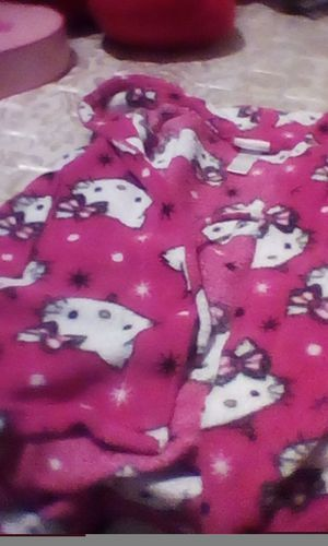 This is a hello Kitty robe for little girls for Sale in North County, MO