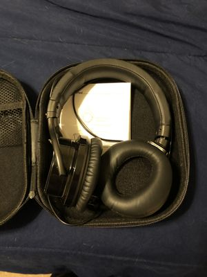 Cowin Noise Canceling Headphones for Sale in Memphis, TN