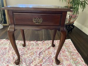 """Cherry Wood End Table Height 27"""" Width 22.5"""" Depth 16.5"""" for Sale in Tustin, CA"""