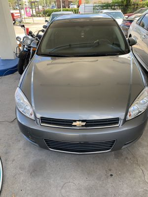 Chevrolet Impala 2009. Cold AC runs perfect for Sale in Fort Lauderdale, FL