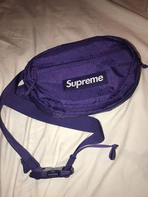 Supreme Fw18 purple waist bag for Sale in Los Angeles, CA
