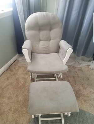 Rocking chair for nursery for Sale in Corona, CA