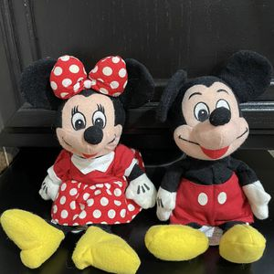 """Mickey and Minnie Mouse Plush 8"""" inches - Sold as a pair for Sale in Chula Vista, CA"""