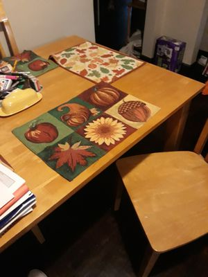 Oak kitchen table and 4 chairs for Sale in Indianapolis, IN