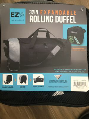 Brand New 32 inch Expandable duffle bag with Rolling Wheels for Sale in Corona, CA