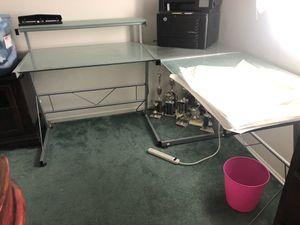 Glass L shape computer desk for Sale in Ontario, CA
