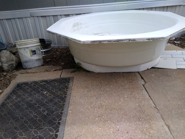 Free soaking tub