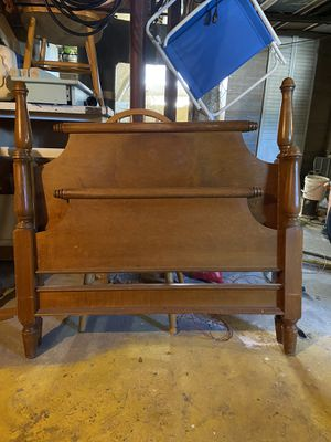 Twin bed wooden head and foot board set for Sale in Revere, MA