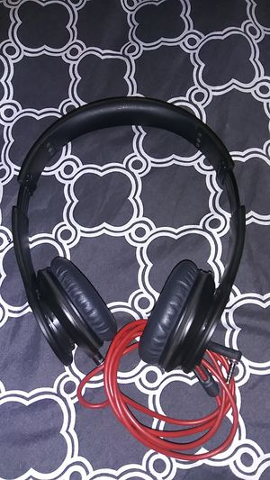 Beats by dre headphones for Sale in Red Bluff, CA