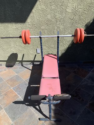 Weight bench with bar and weights for Sale in Manhattan Beach, CA