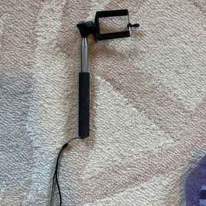 Selfie Stick for Sale in Enumclaw, WA