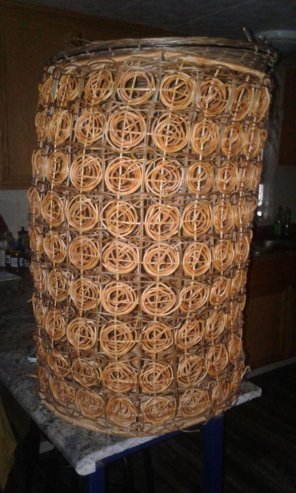 laundry basket- hamper / cesto de la ropa